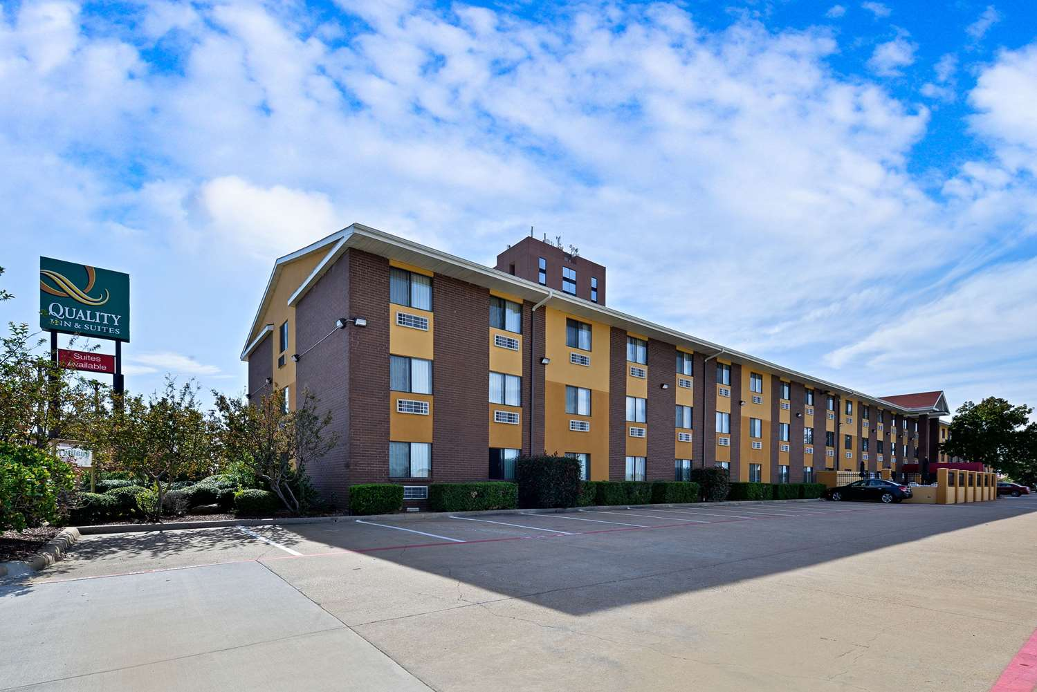 Ramada Inn DFW Airport North Irving