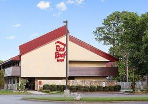 Red Roof Inn Virginia Beach is a cheap smoke-free hotel in Virginia Beach, VA with an outdoor swimming pool and free parking, located by the Norfolk International Airport.