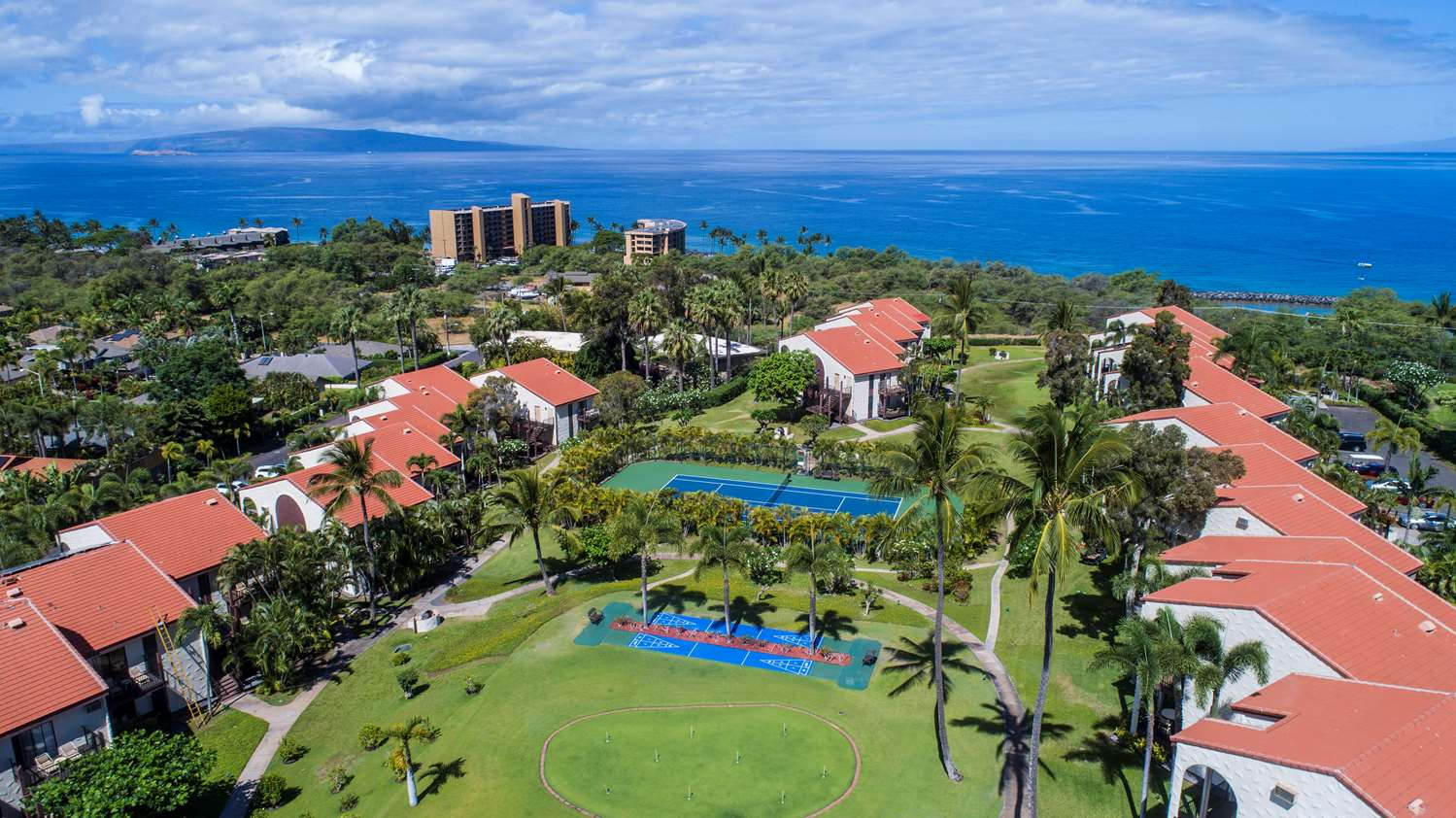 102303 Maui's Makena Beach and Golf Resort has a variety of new food options. but ...