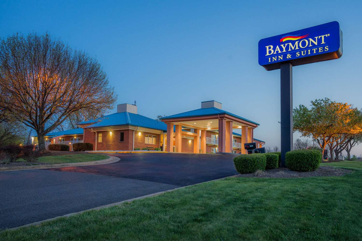 Nuevo Inn & Suites Warrenton