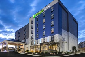Holiday Inn Express 90th Street West Omaha