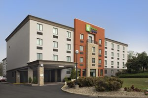 Holiday Inn Express Hotel Saugus