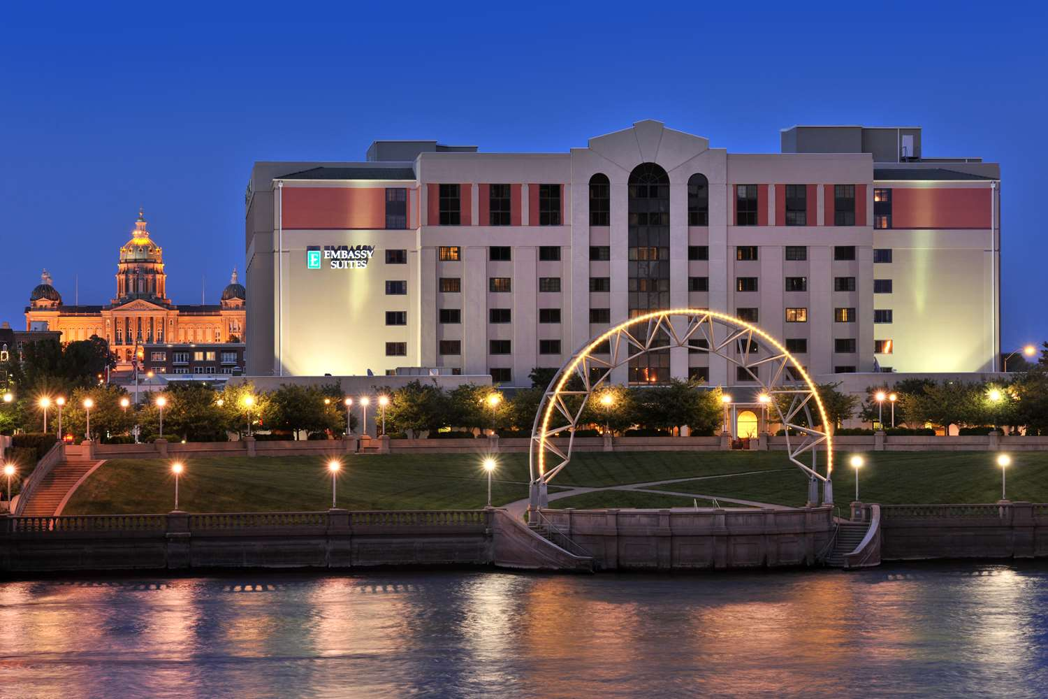 Embassy Suites on the River Des Moines