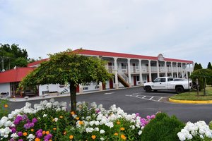 Red Carpet Inn & Suites Culpeper