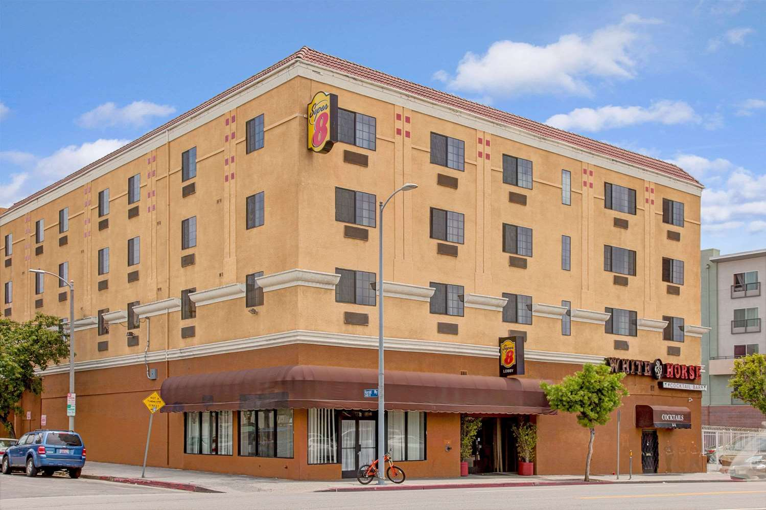 Super 8 Hotel Hollywood