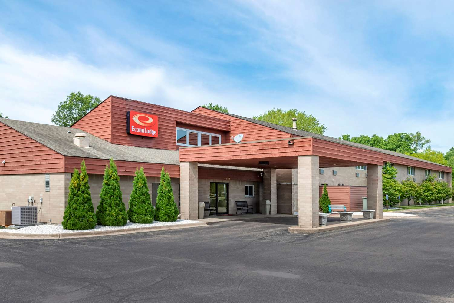 Econo Lodge River Falls