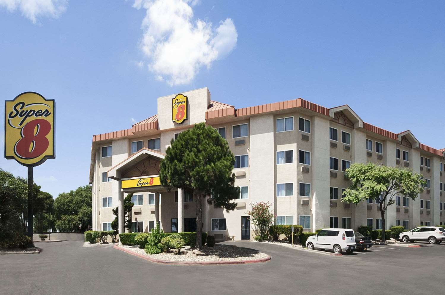 Super 8 Hotel North Austin