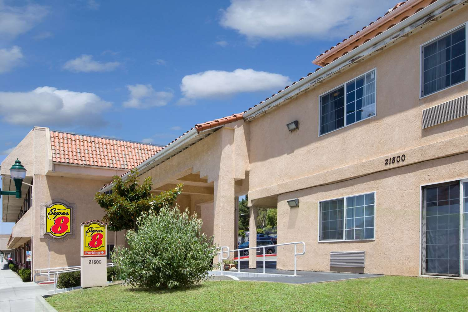 Hotels Near Cal State University East Bay