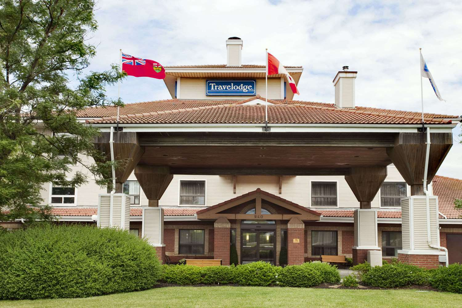 Pet Friendly Hotels Whitby Ontario