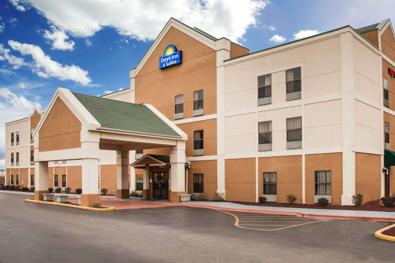 Days Inn & Suites Harvey