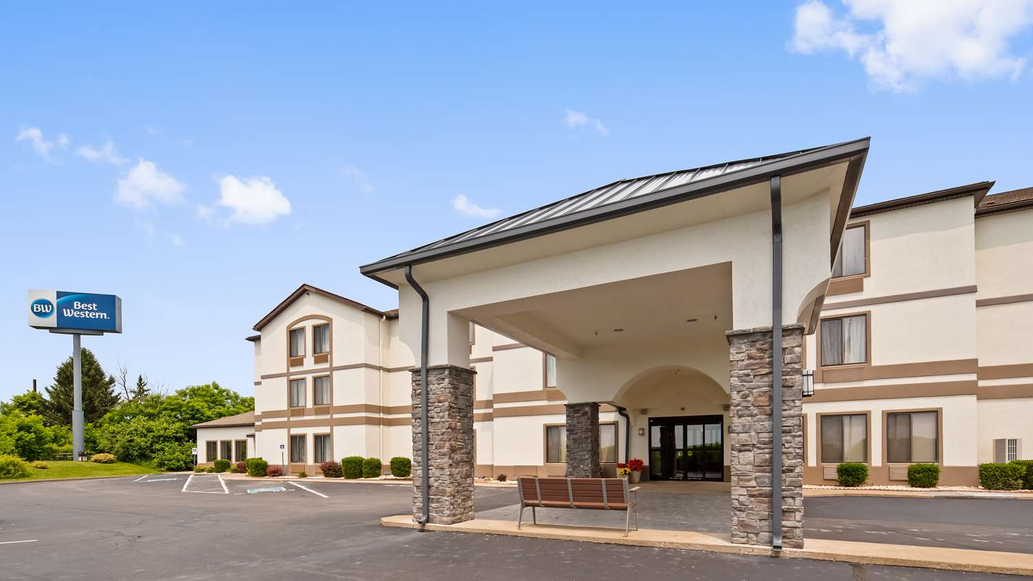 Holiday Inn Express Hotel & Suites St Clairsville