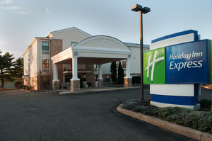 Holiday Inn Express Hotel Vernon