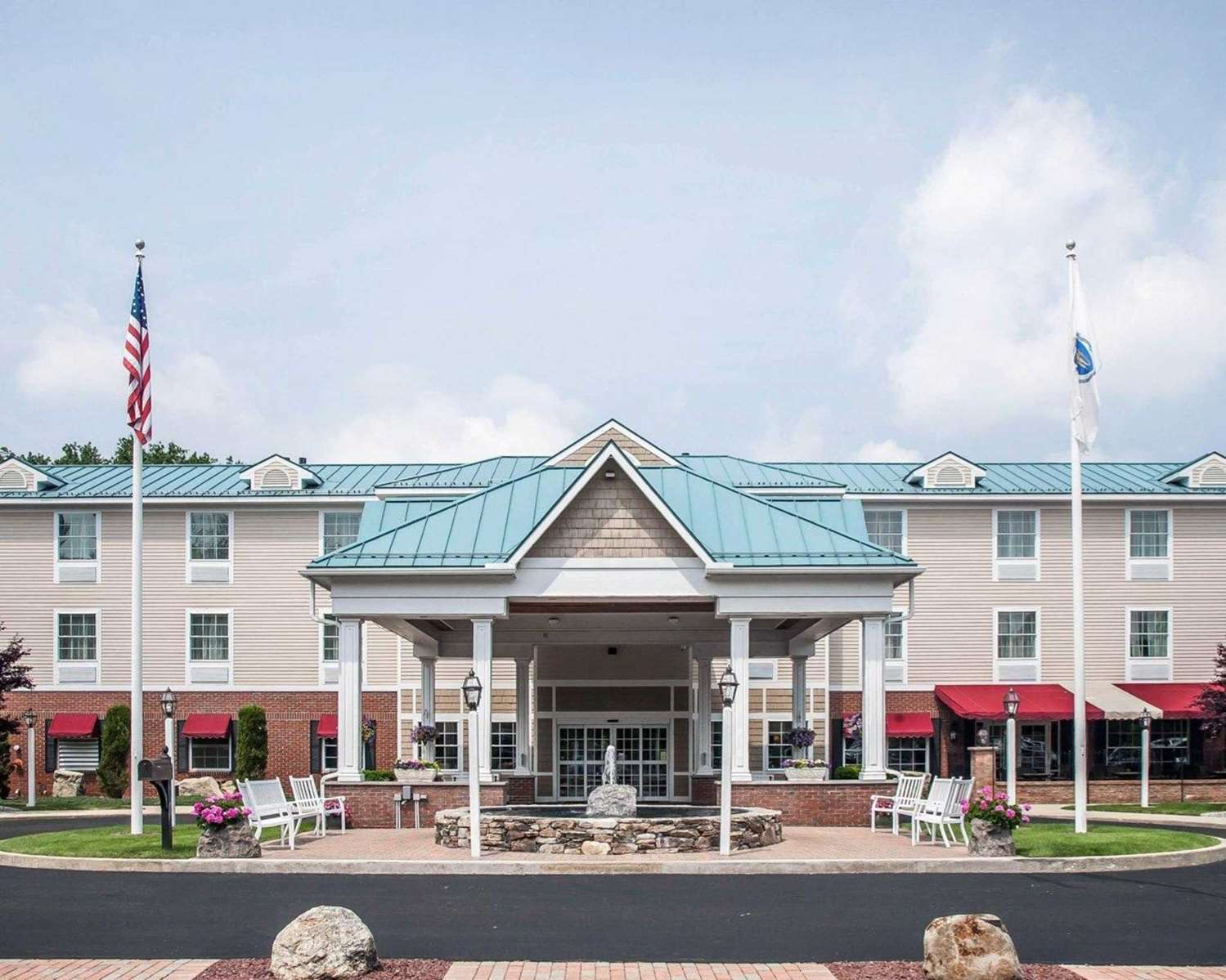 Comfort Inn & Suites Colonial Sturbridge