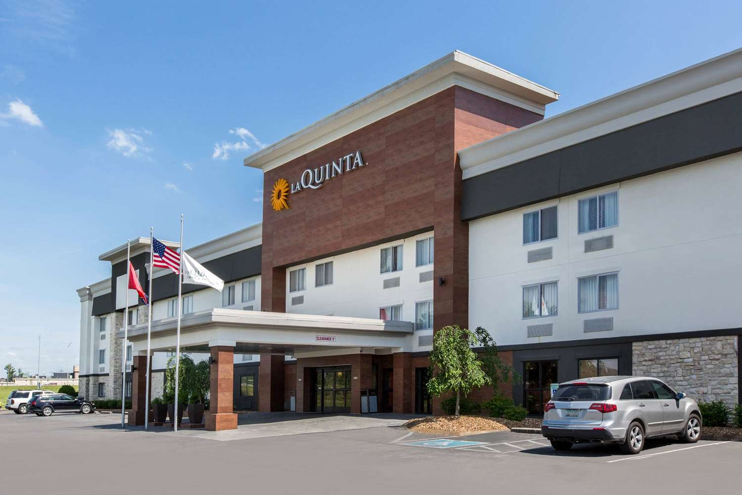 Holiday Inn Express Suites Goodlettsville