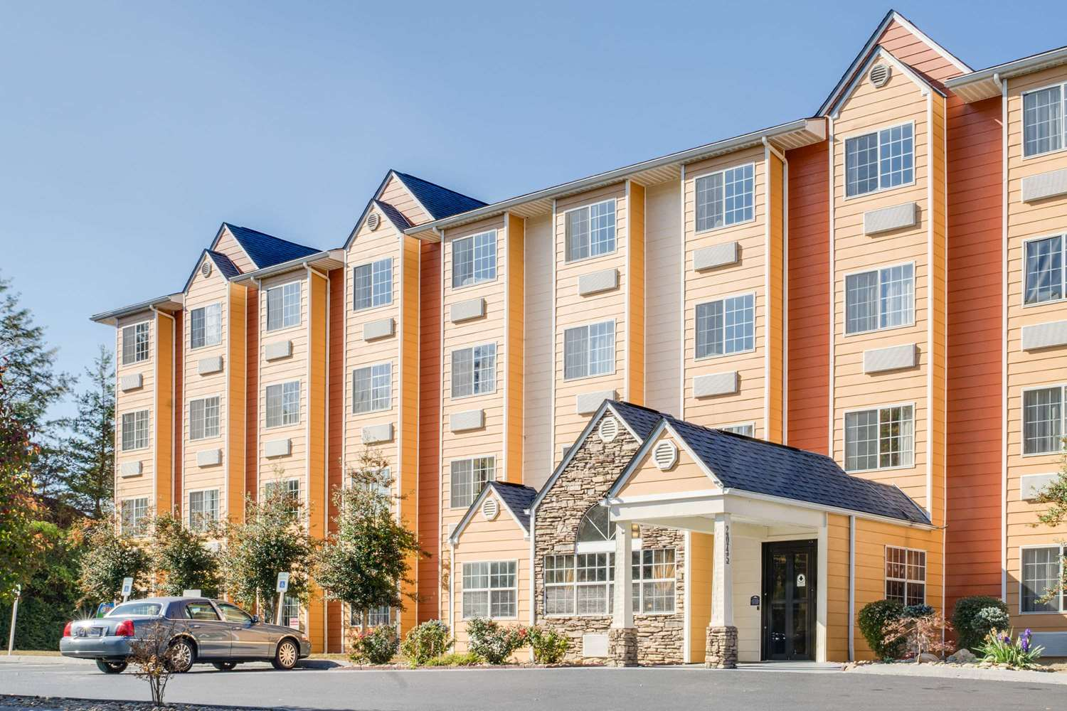 Hotels Near Tanger Outlet Mall In Pigeon Forge Tn
