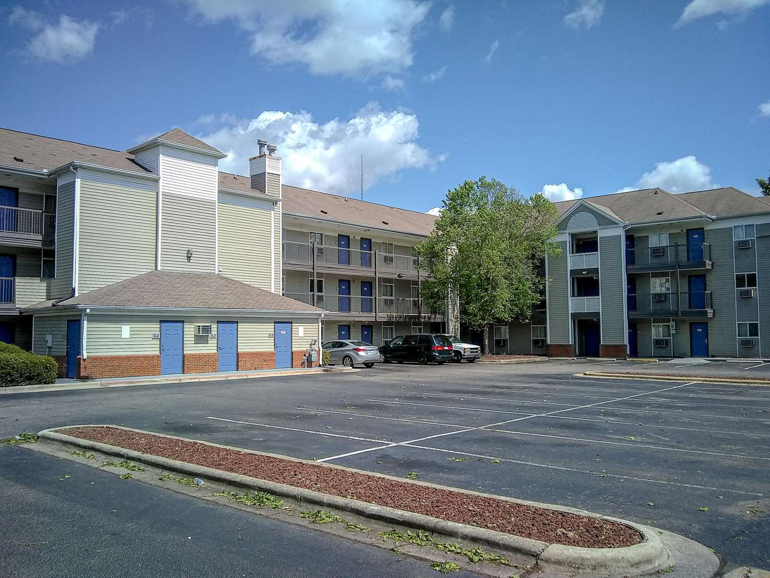 Suburban Extended Stay Hotel Fayetteville