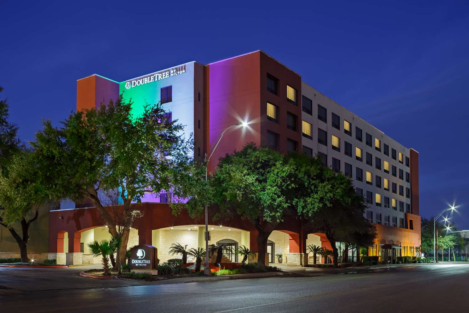 Hotels Near Our Lady Of The Lake University San Antonio