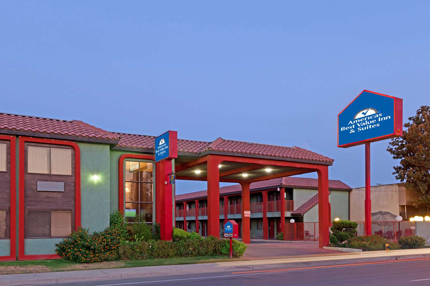 Ramada Limited Motel Central Bakersfield