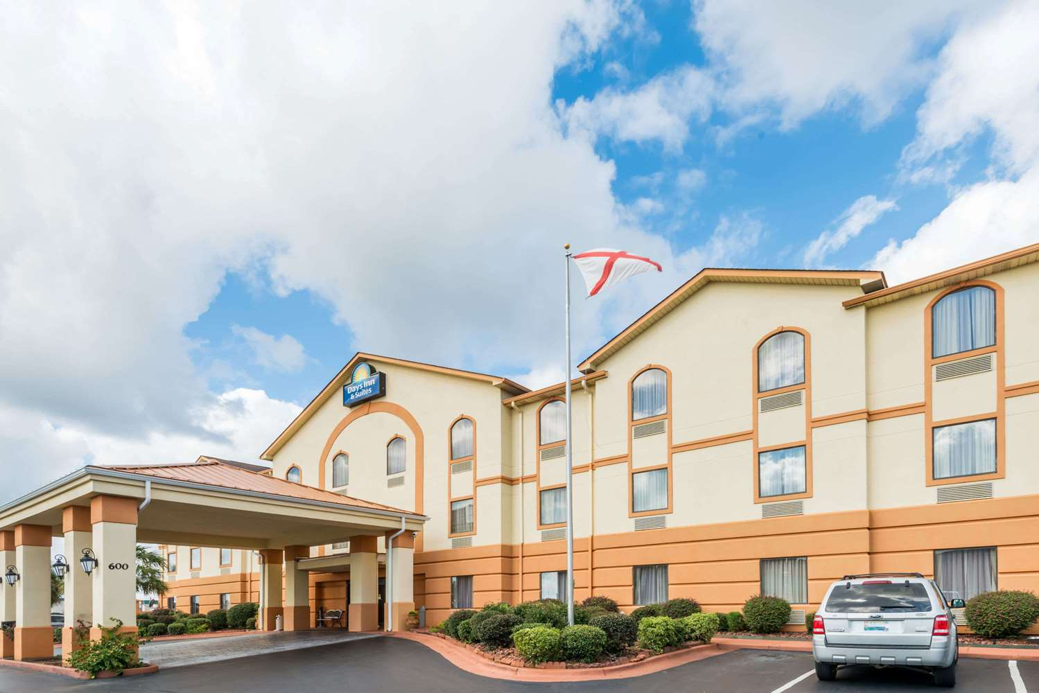 Days Inn & Suites Prattville