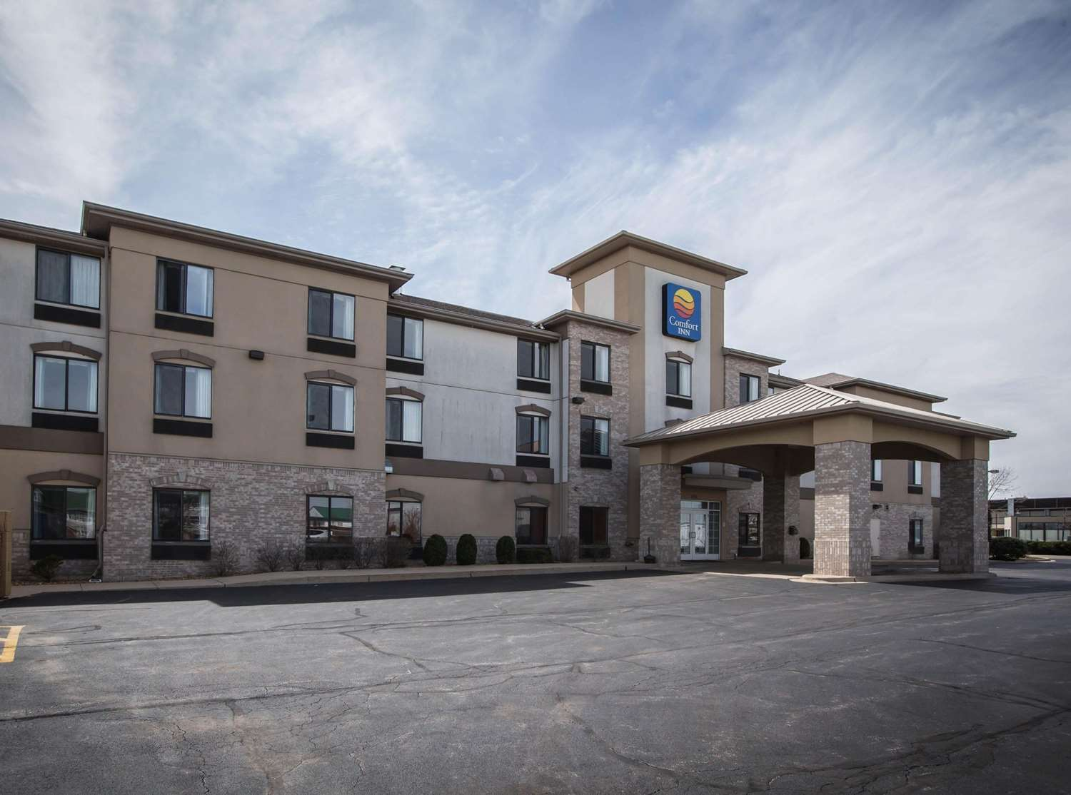 crystal lake il hotels motels see all discounts. Black Bedroom Furniture Sets. Home Design Ideas
