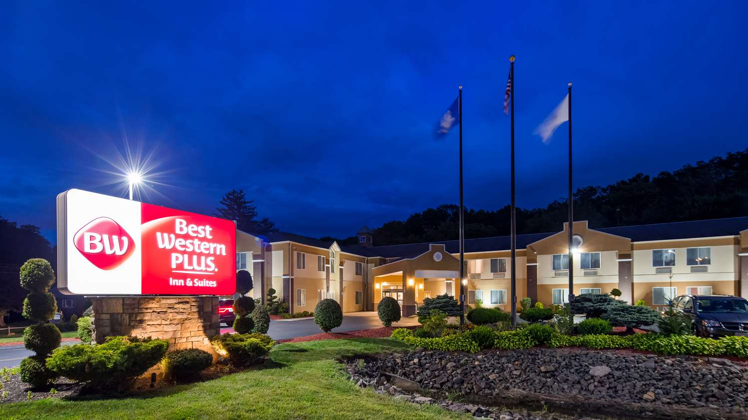 Best Western Plus New England Inn & Suites Berlin