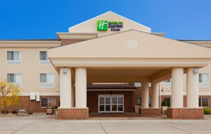 Holiday Inn Express Suites Yankton