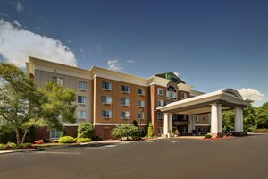 Holiday Inn Express Suites Middleborough