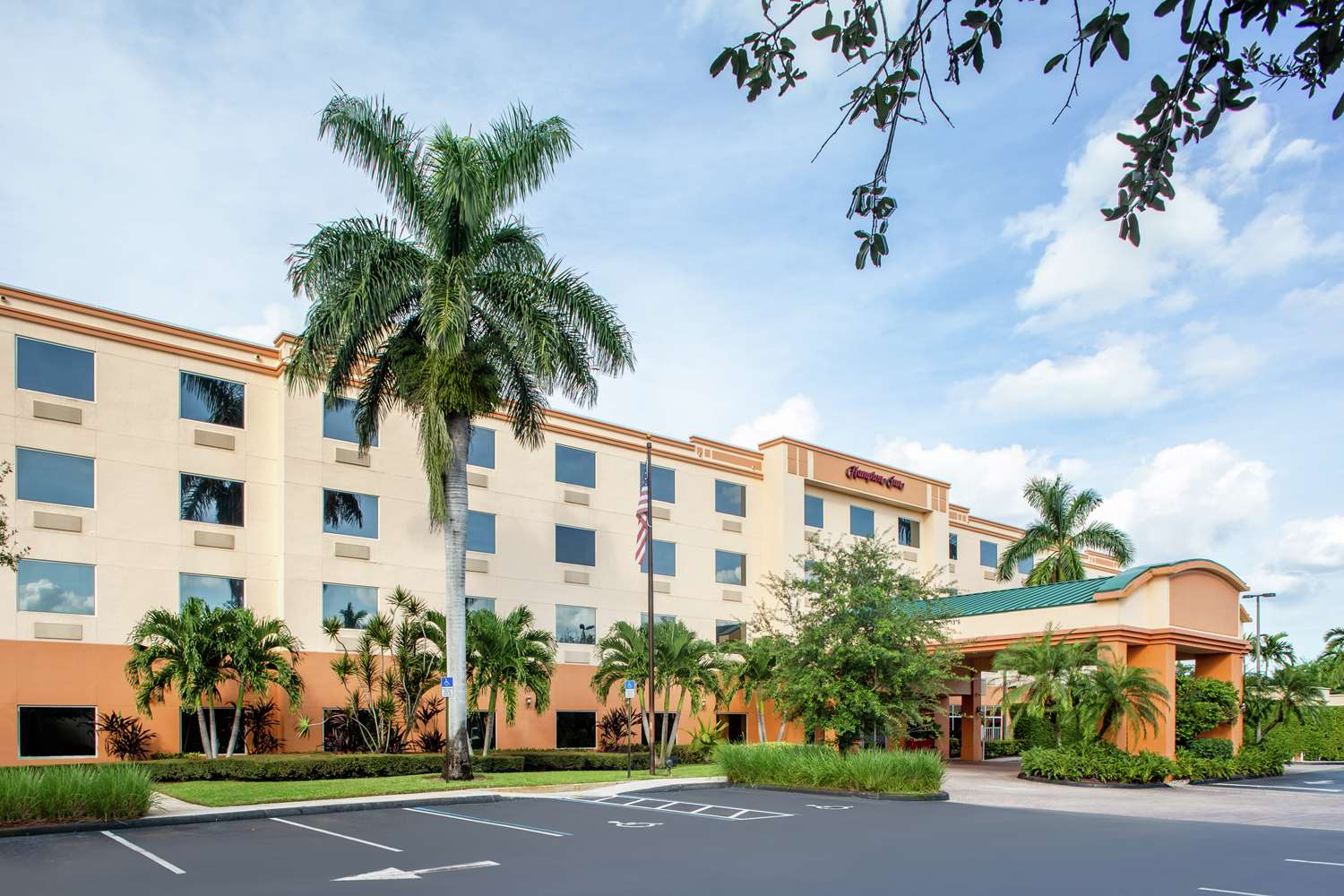 Hampton Inn Lake Worth