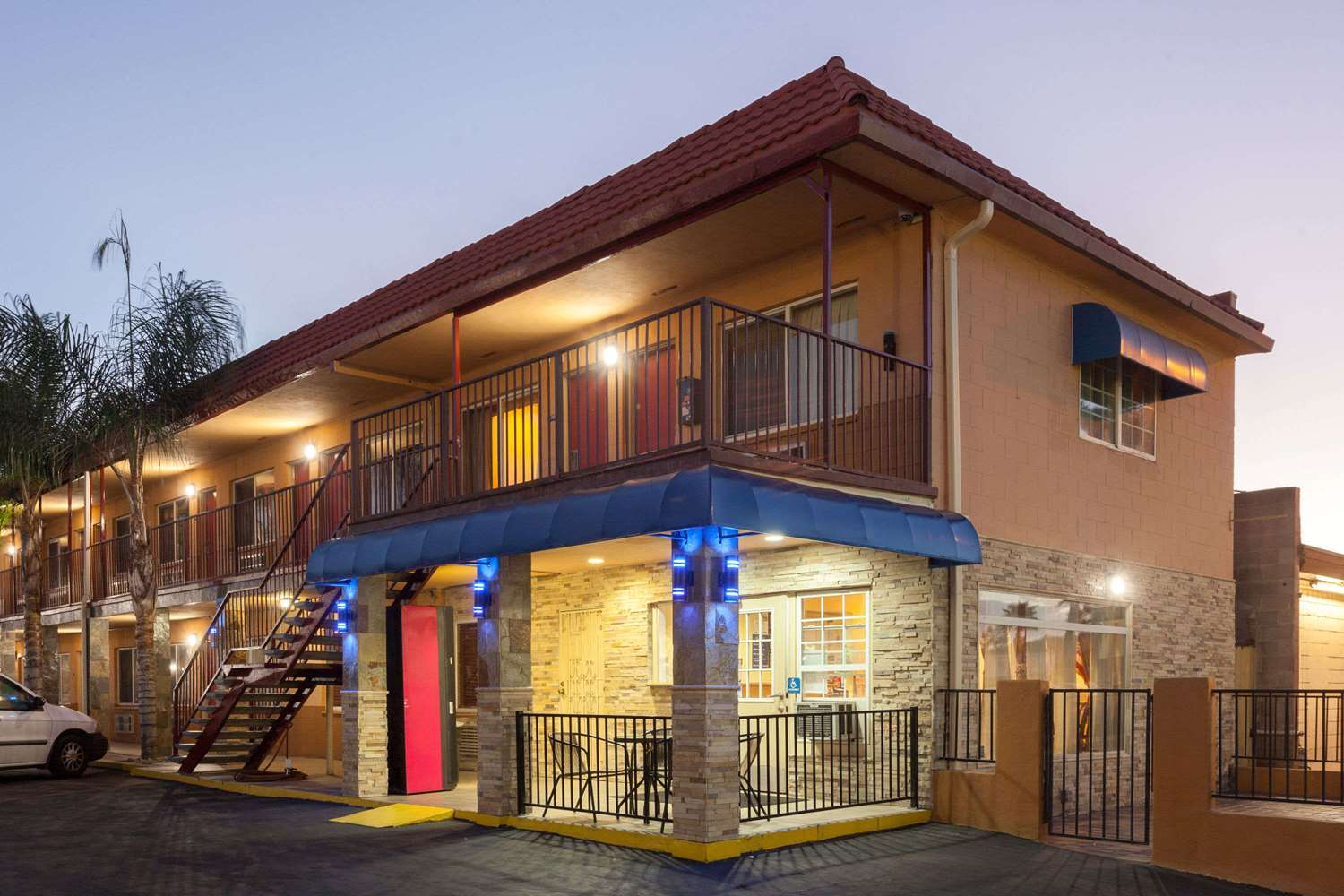 Hotels Amp Motels Near Lakeside Ca See All Discounts