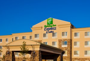 Holiday Inn Express Suites Waukegan