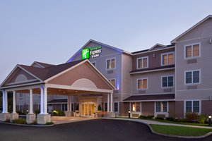 Holiday Inn Express Hotel & Suites Tilton