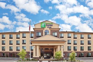 Holiday Inn Express Hotel & Suites Vancouver