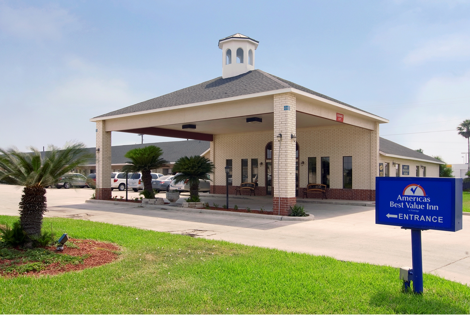 Americas Best Value Inn & Suites Harlingen