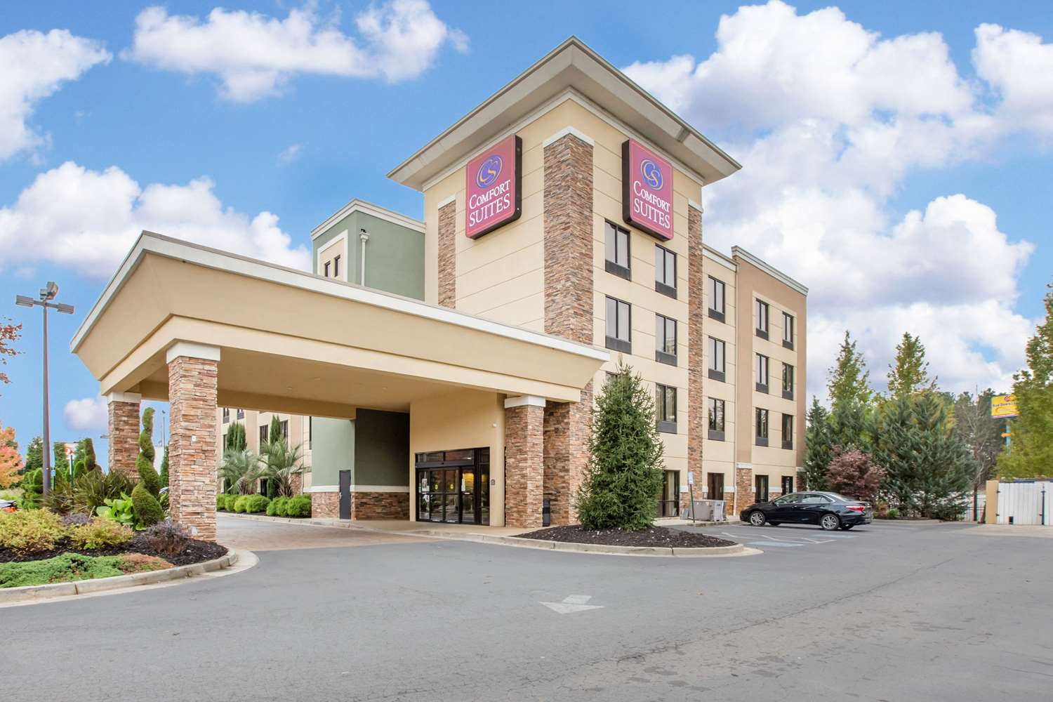 Hotels Near Tanger Outlet Locust Grove Ga