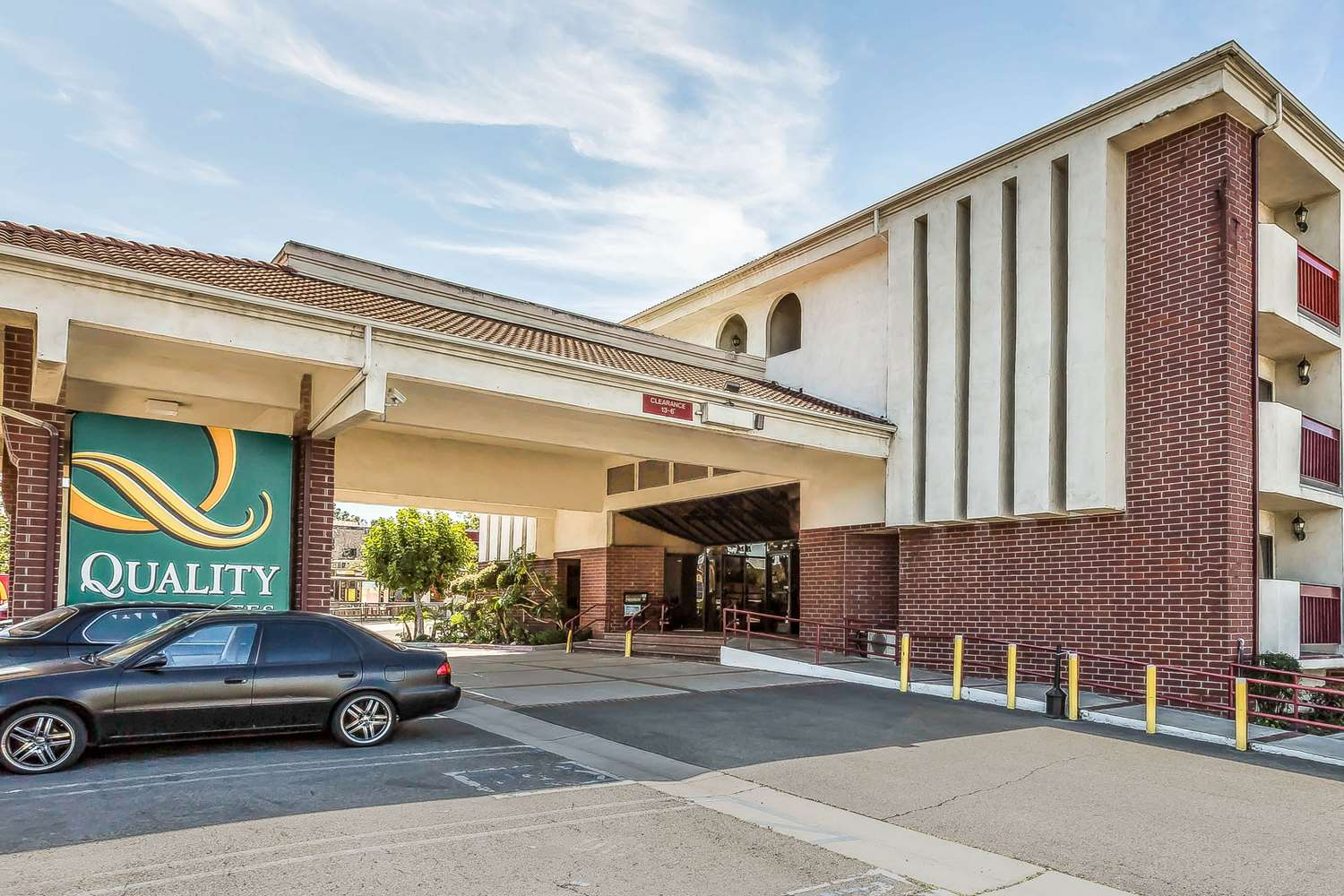 Quality Inn & Suites Lake Forest