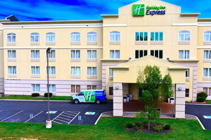 Holiday Inn Express Hotel & Suites Warners