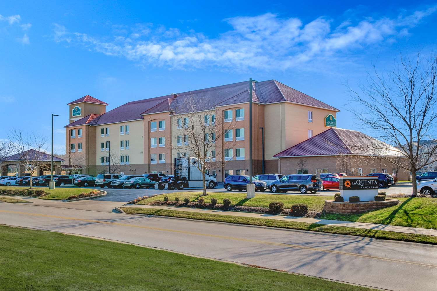 La Quinta Inn & Suites Airport Plainfield