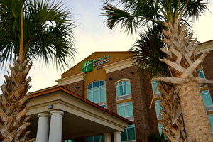 Holiday Inn Express Hotel & Suites Airport North Charleston