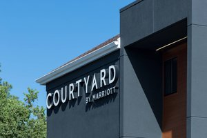 Courtyard by Marriott Hotel Airport Pensacola