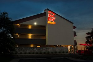 Red Roof Inn Plus Naperville