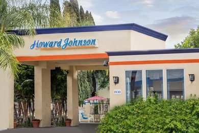 Howard Johnson Inn & Suites Orange