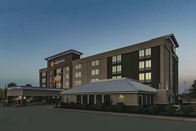 La Quinta Inn & Suites North Olmsted