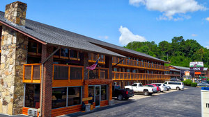 Wild Bear Inn Pigeon Forge