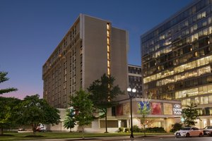 Crowne Plaza Hotel Arlington
