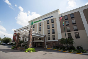 Holiday Inn Express Hotel & Suites Antioch