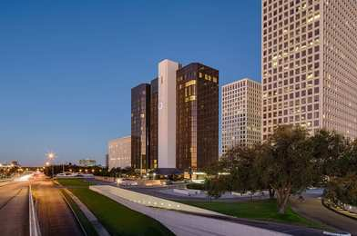 DoubleTree by Hilton Hotel Greenway Plaza Houston
