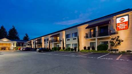 Best Western Plus Plaza by the Green Inn Kent