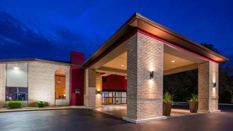 Best Western Plus North Canton Inn & Suites