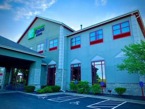 Holiday Inn Express Hotel & Suites Olathe