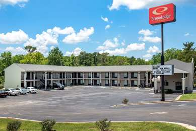 Econo Lodge Inn & Suites Evergreen